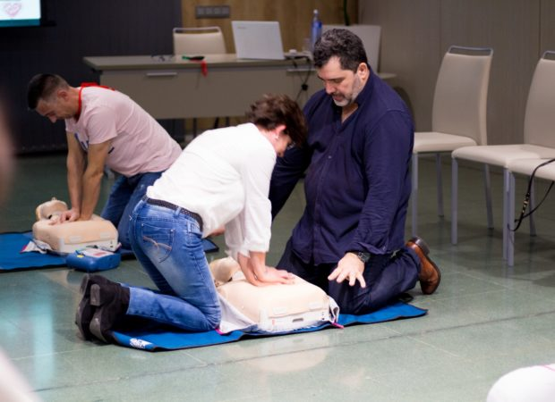 Otros padres optaron por seguir ampliando conocimientos en el taller de Reanimación Cardiopulmonar