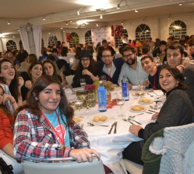Ellos también celebraron el !5 Aniversario de Menudos Corazones participando en la cena.