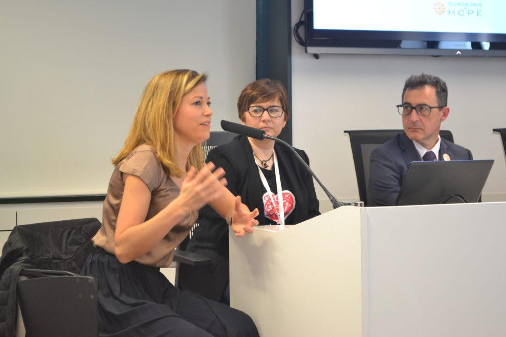 La Dra. García-Cuenlla, durante su intervención en la V Jornada de Cardiología Pediátrica