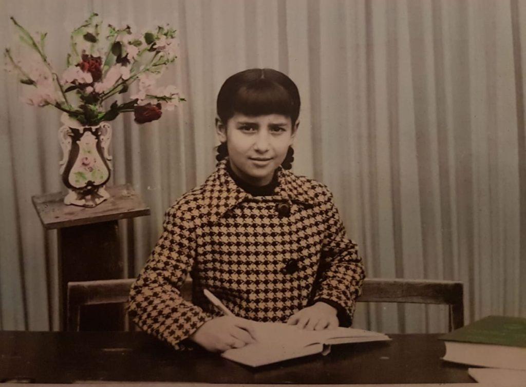 Loli, con 9 años, en la escuela