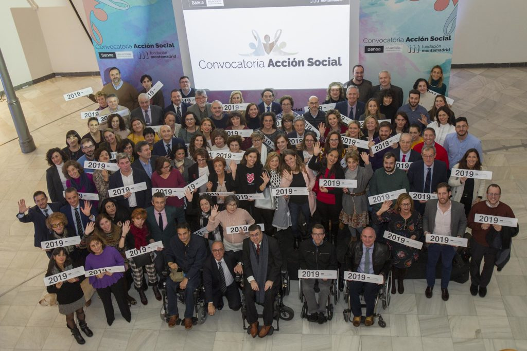 Foto de grupo de las entidades beneficiarias de la Convocatoria de Acción Social 2019 de Bankia y Fundación Montemadrid
