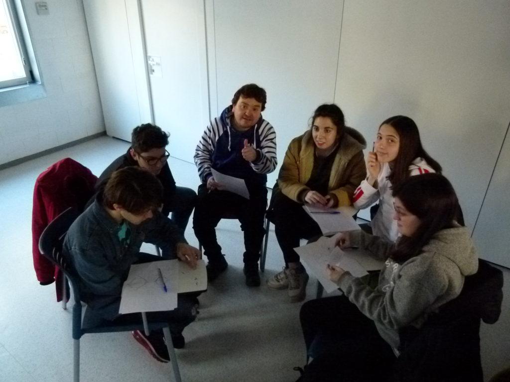 Durante el taller de habilidades sociales