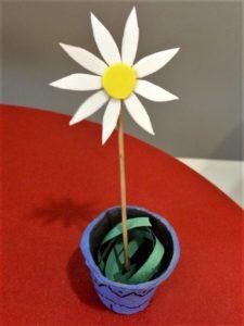 Manualidad de flores primaverales