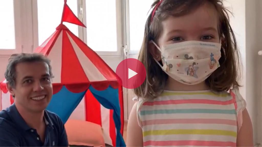 Fotograma del vídeo de Raúl Sánchez sobre la importancia de las mascarillas