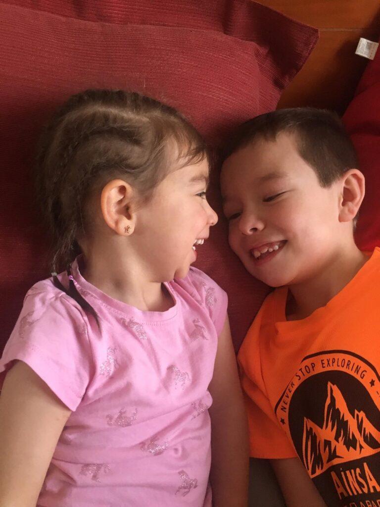 Amaia y su hermano, Aitor