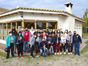 Foto de grupo de los participantes en la VIII Convivencia para Jóvenes de Menudos Corazones